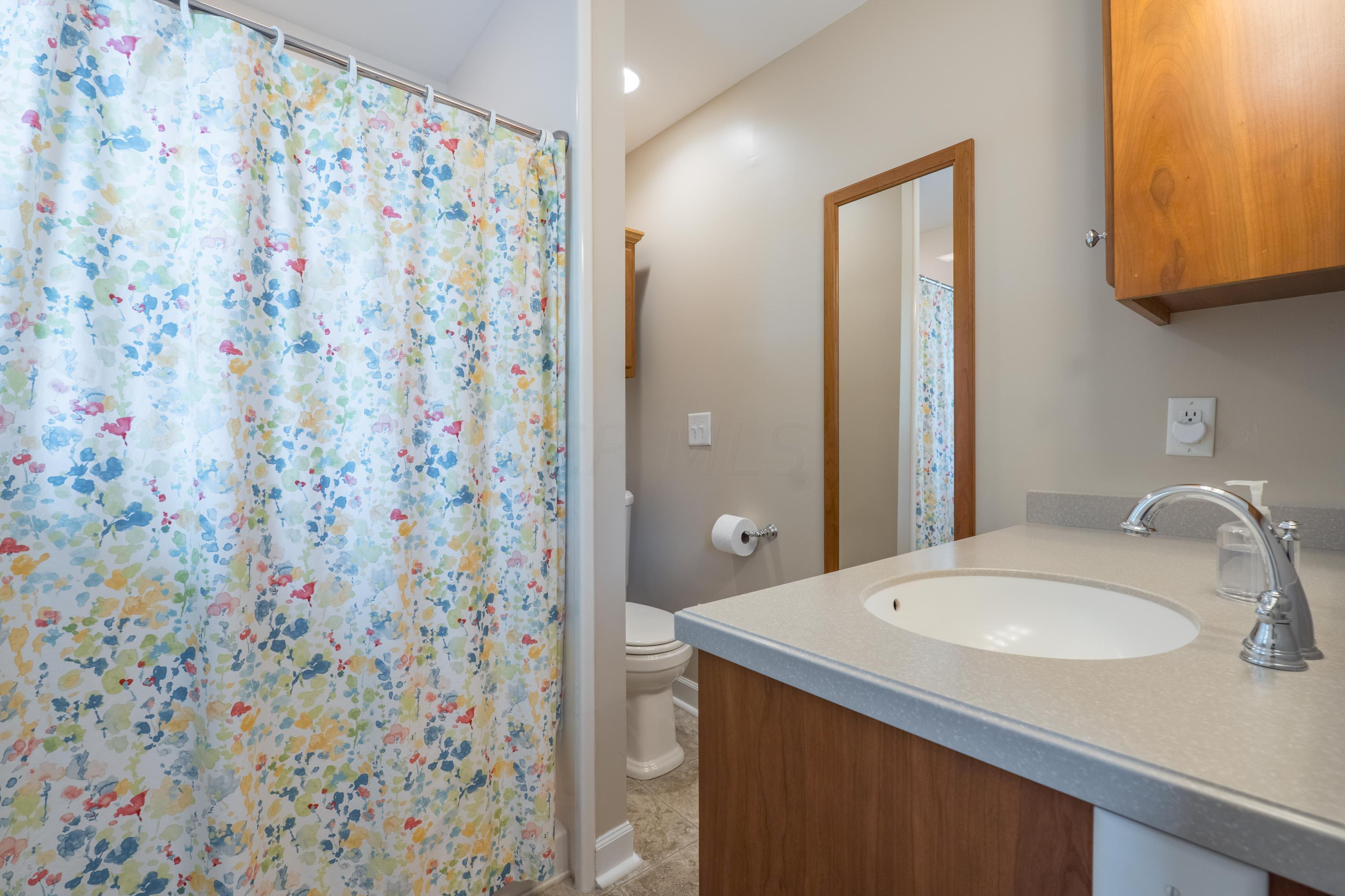 3687 Ridgewood Drive, Hilliard, Ohio 43026, 3 Bedrooms Bedrooms, ,2 BathroomsBathrooms,Residential,For Sale,Ridgewood,220020355
