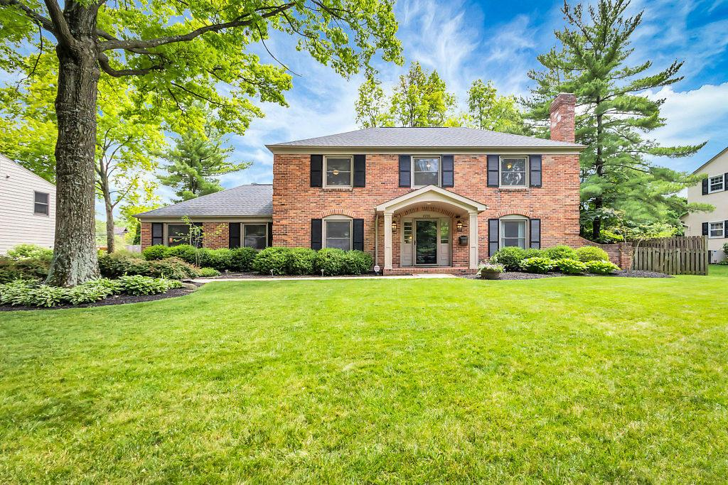 2235 Sheringham Road, Columbus, Ohio 43220, 6 Bedrooms Bedrooms, ,4 BathroomsBathrooms,Residential,For Sale,Sheringham,220020378
