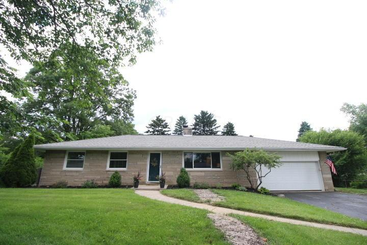 164 Grandview Drive, Dublin, Ohio 43017, 3 Bedrooms Bedrooms, ,2 BathroomsBathrooms,Residential,For Sale,Grandview,220020483