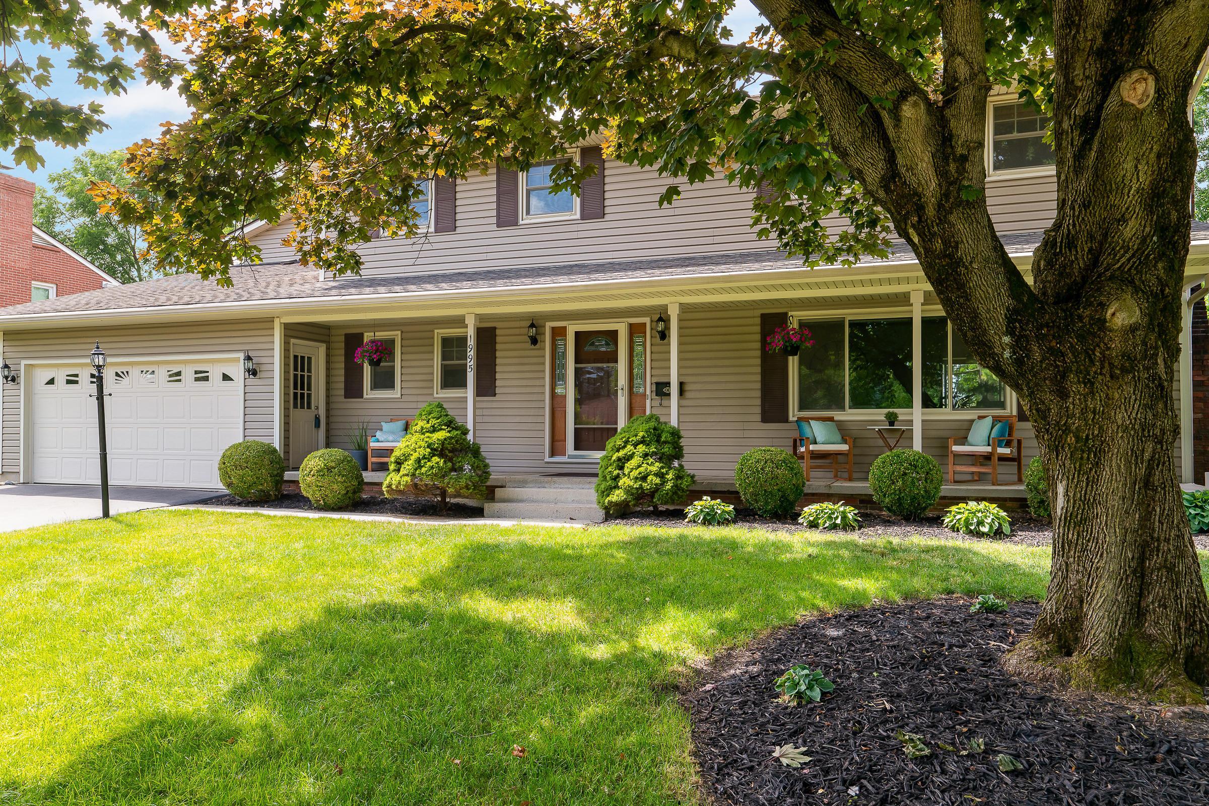 1995 Hythe Road, Upper Arlington, Ohio 43220, 4 Bedrooms Bedrooms, ,4 BathroomsBathrooms,Residential,For Sale,Hythe,220020494