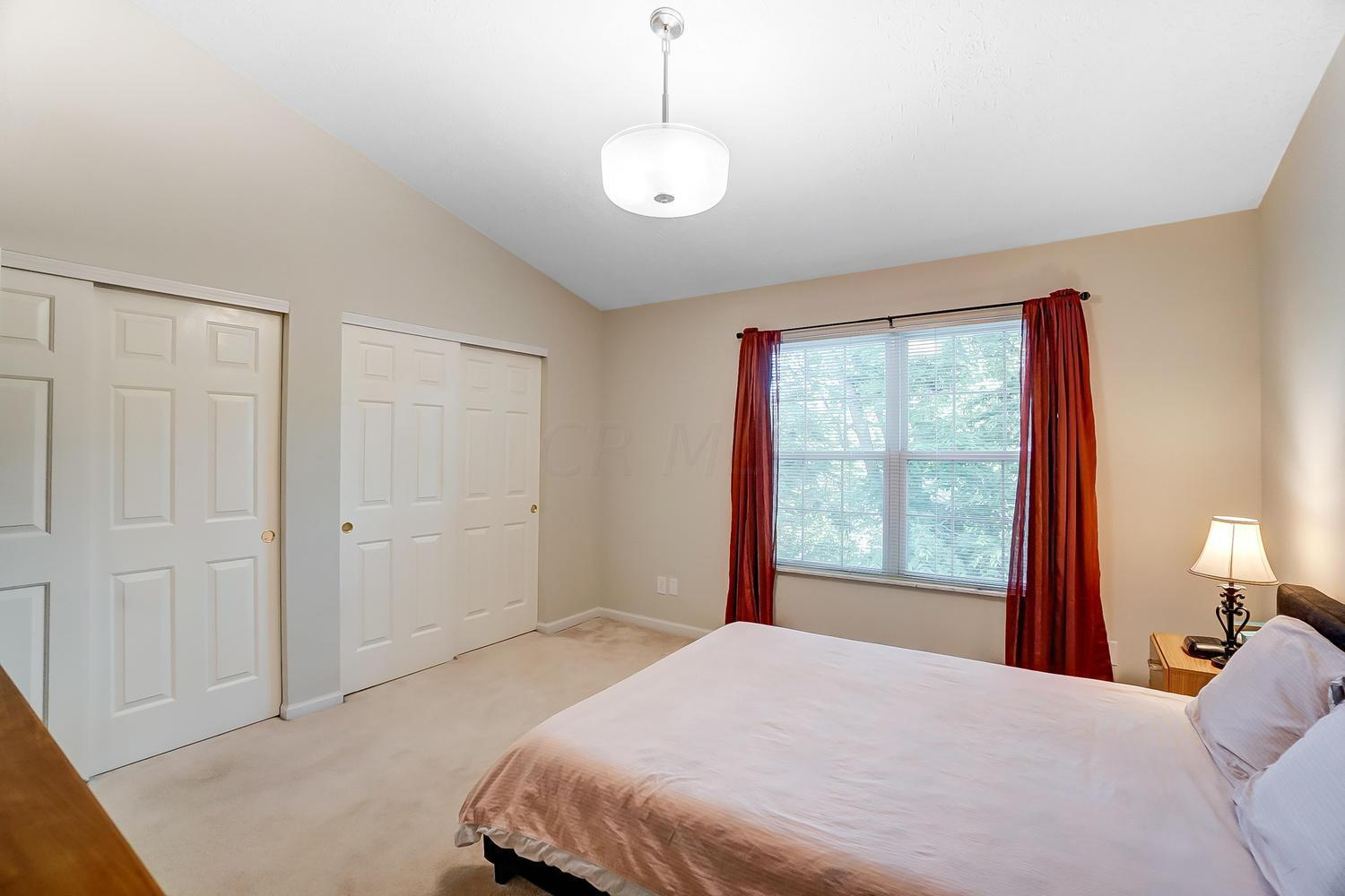 5419 Victoria Park Court, Columbus, Ohio 43235, 2 Bedrooms Bedrooms, ,4 BathroomsBathrooms,Residential,For Sale,Victoria Park,220020601