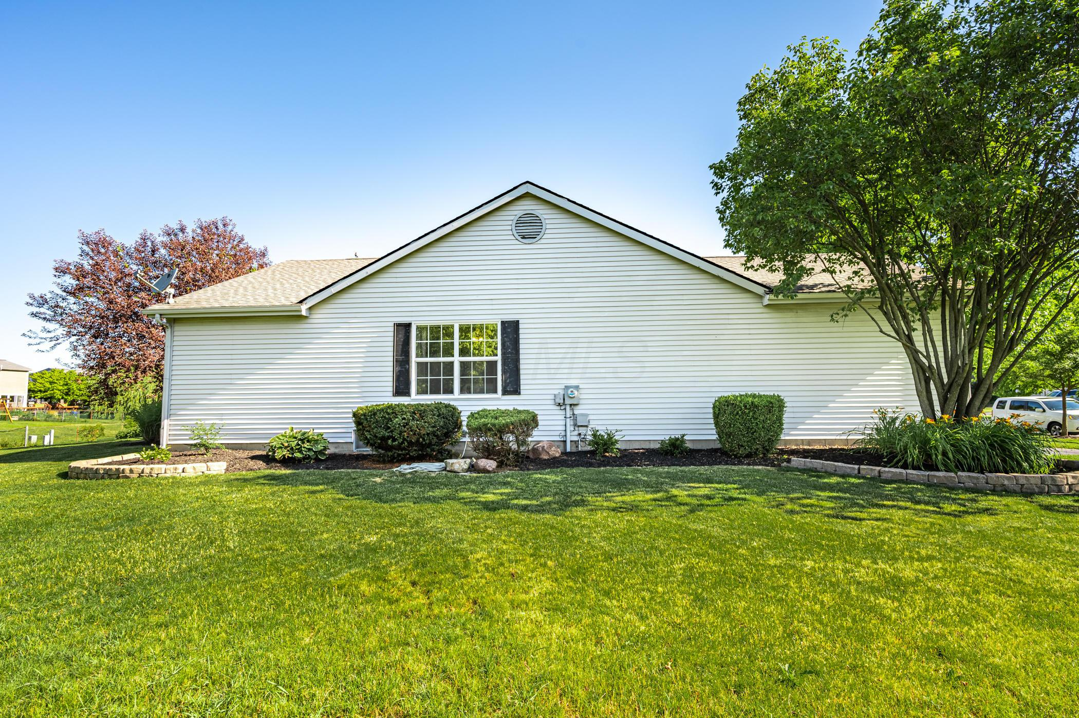 3303 Reed Point Drive, Hilliard, Ohio 43026, 3 Bedrooms Bedrooms, ,2 BathroomsBathrooms,Residential,For Sale,Reed Point,220020592
