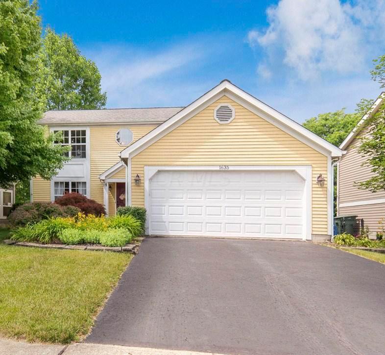 1635 Gardenstone Drive, Columbus, Ohio 43235, 3 Bedrooms Bedrooms, ,3 BathroomsBathrooms,Residential,For Sale,Gardenstone,220019611