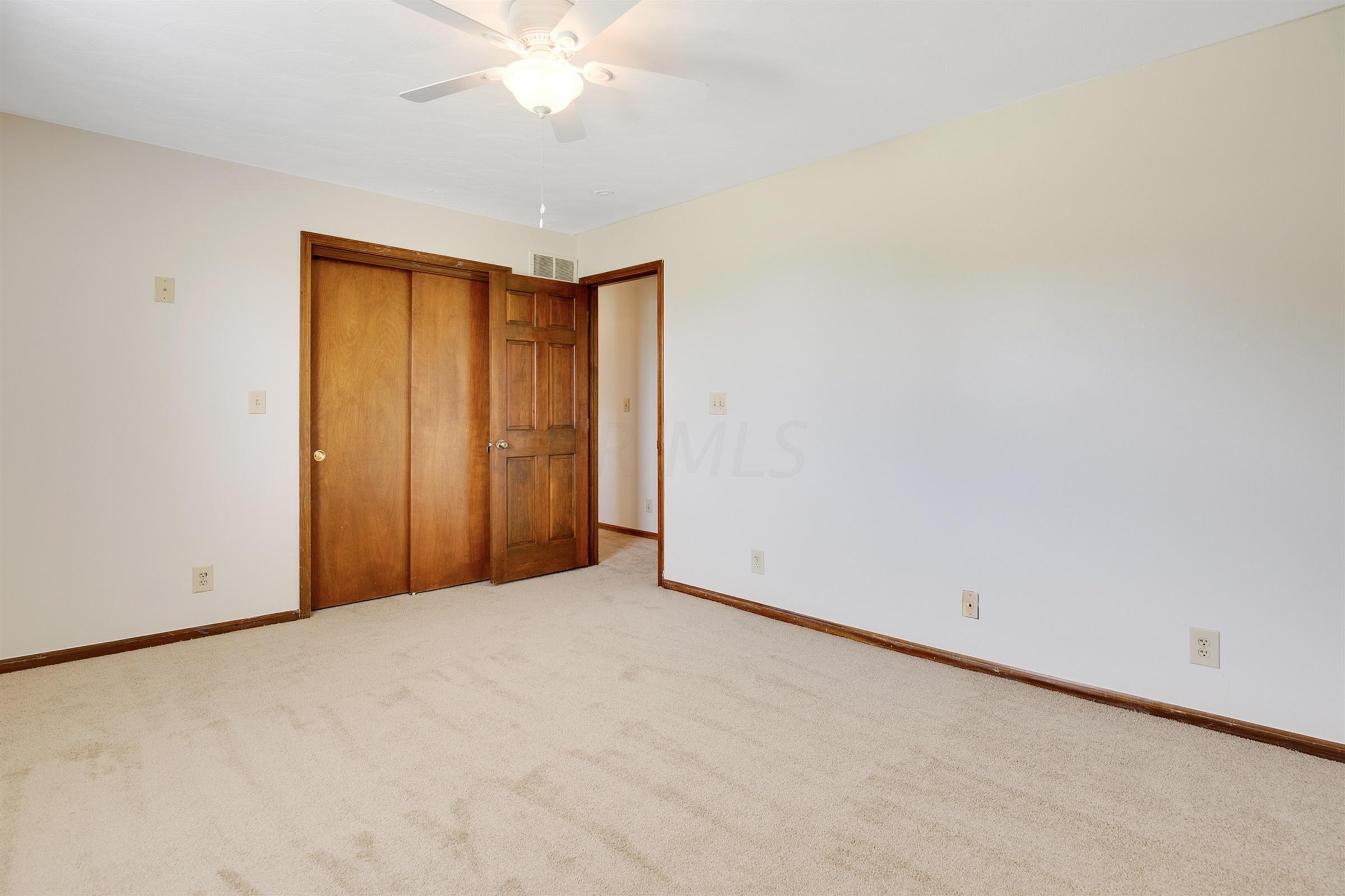 8027 Roberts Road, Hilliard, Ohio 43026, 5 Bedrooms Bedrooms, ,4 BathroomsBathrooms,Residential,For Sale,Roberts,220020736