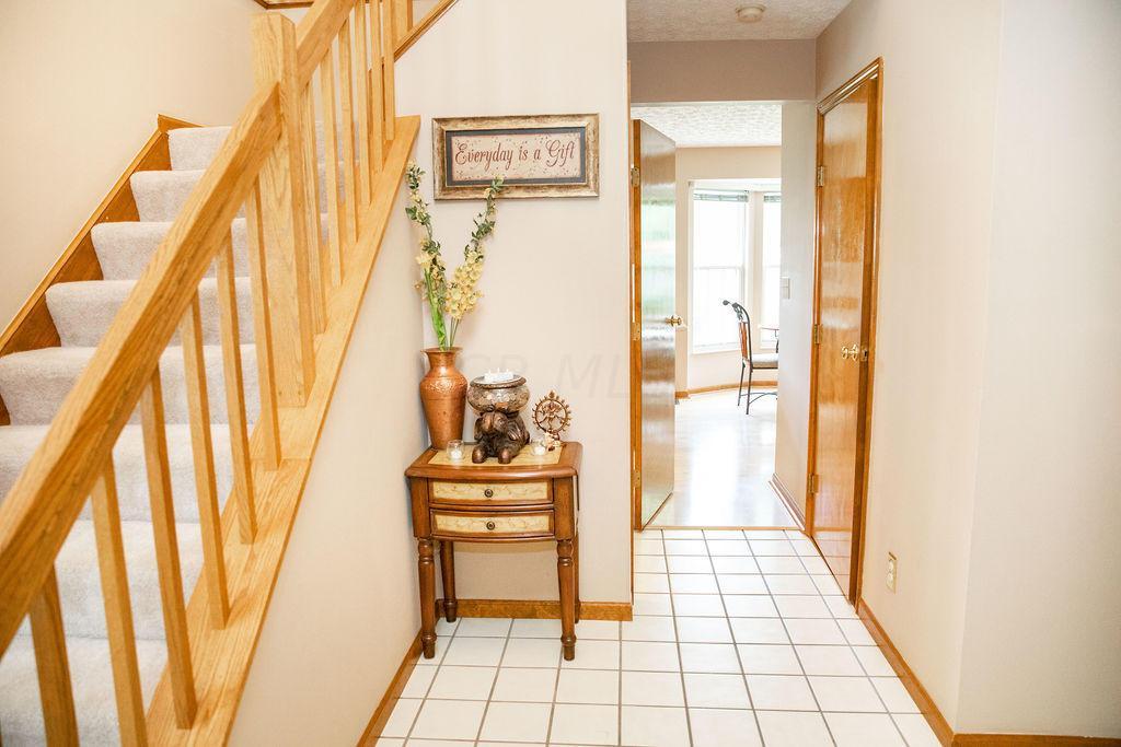5880 Newbridge Drive, Dublin, Ohio 43017, 4 Bedrooms Bedrooms, ,3 BathroomsBathrooms,Residential,For Sale,Newbridge,220020650