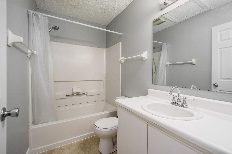 1823 Bennigan Drive, Hilliard, Ohio 43026, 2 Bedrooms Bedrooms, ,3 BathroomsBathrooms,Residential,For Sale,Bennigan,220020802