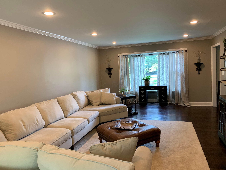 822 Ashler Court, Columbus, Ohio 43235, 5 Bedrooms Bedrooms, ,3 BathroomsBathrooms,Residential,For Sale,Ashler,220020903