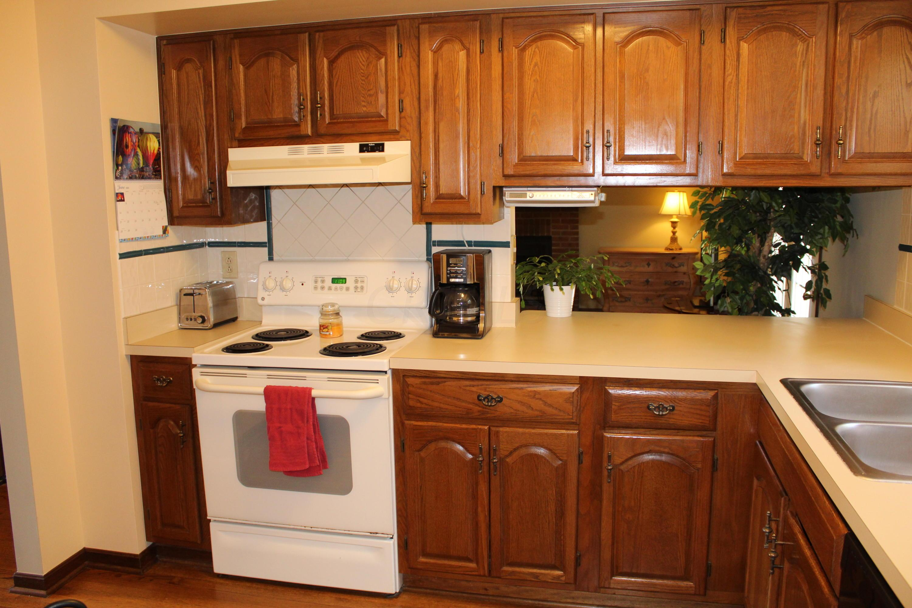 3565 Berry Pond Court, Canal Winchester, Ohio 43110, 4 Bedrooms Bedrooms, ,3 BathroomsBathrooms,Residential,For Sale,Berry Pond,220020993