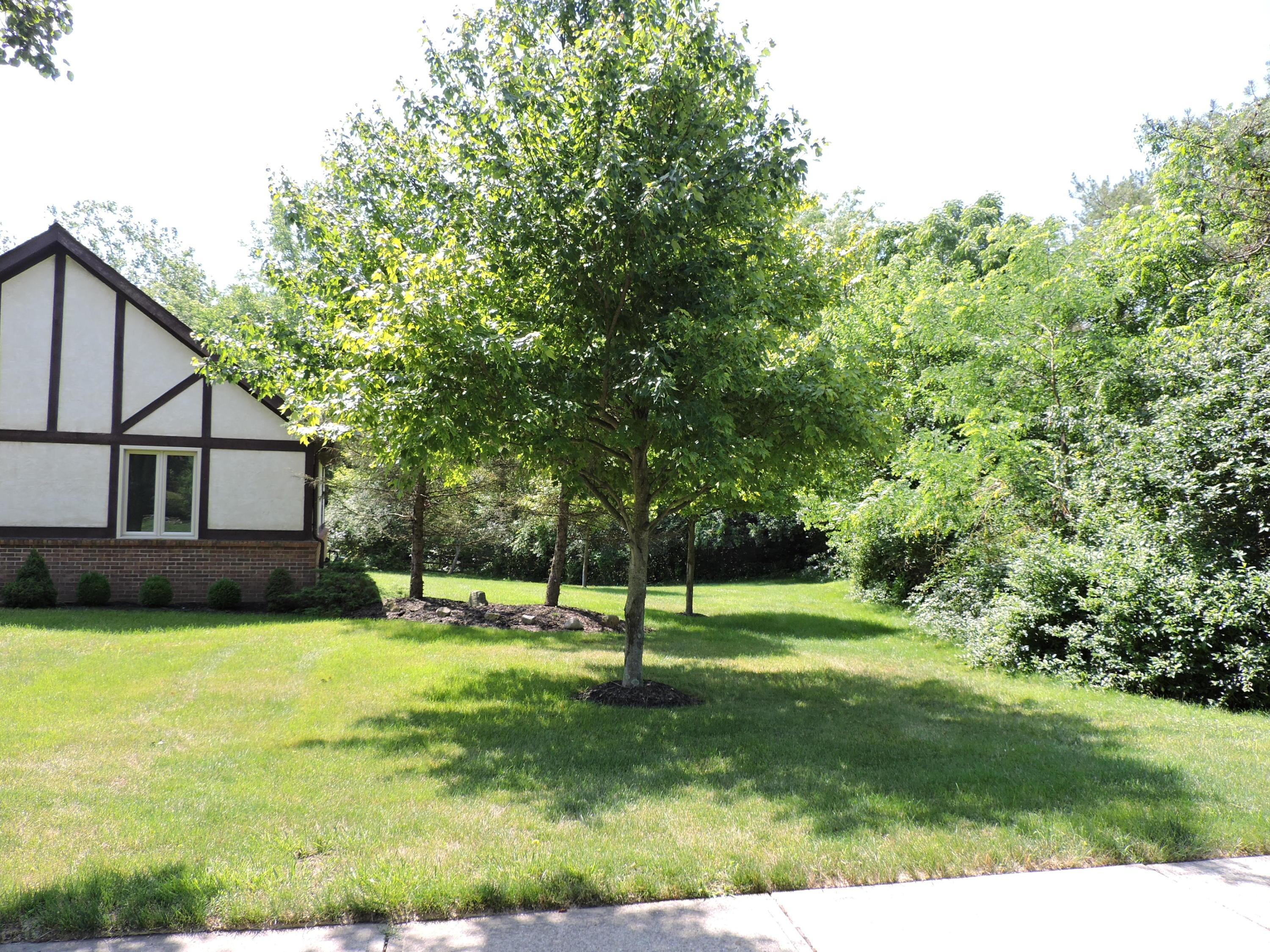 8731 Glenamoy Circle, Dublin, Ohio 43017, 3 Bedrooms Bedrooms, ,2 BathroomsBathrooms,Residential,For Sale,Glenamoy,220020957