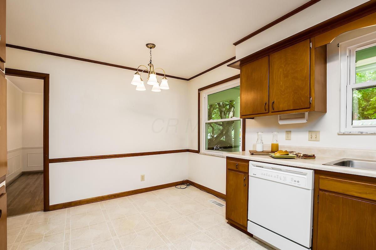 3380 Stonehenge Court, Columbus, Ohio 43221, 3 Bedrooms Bedrooms, ,2 BathroomsBathrooms,Residential,For Sale,Stonehenge,220021030