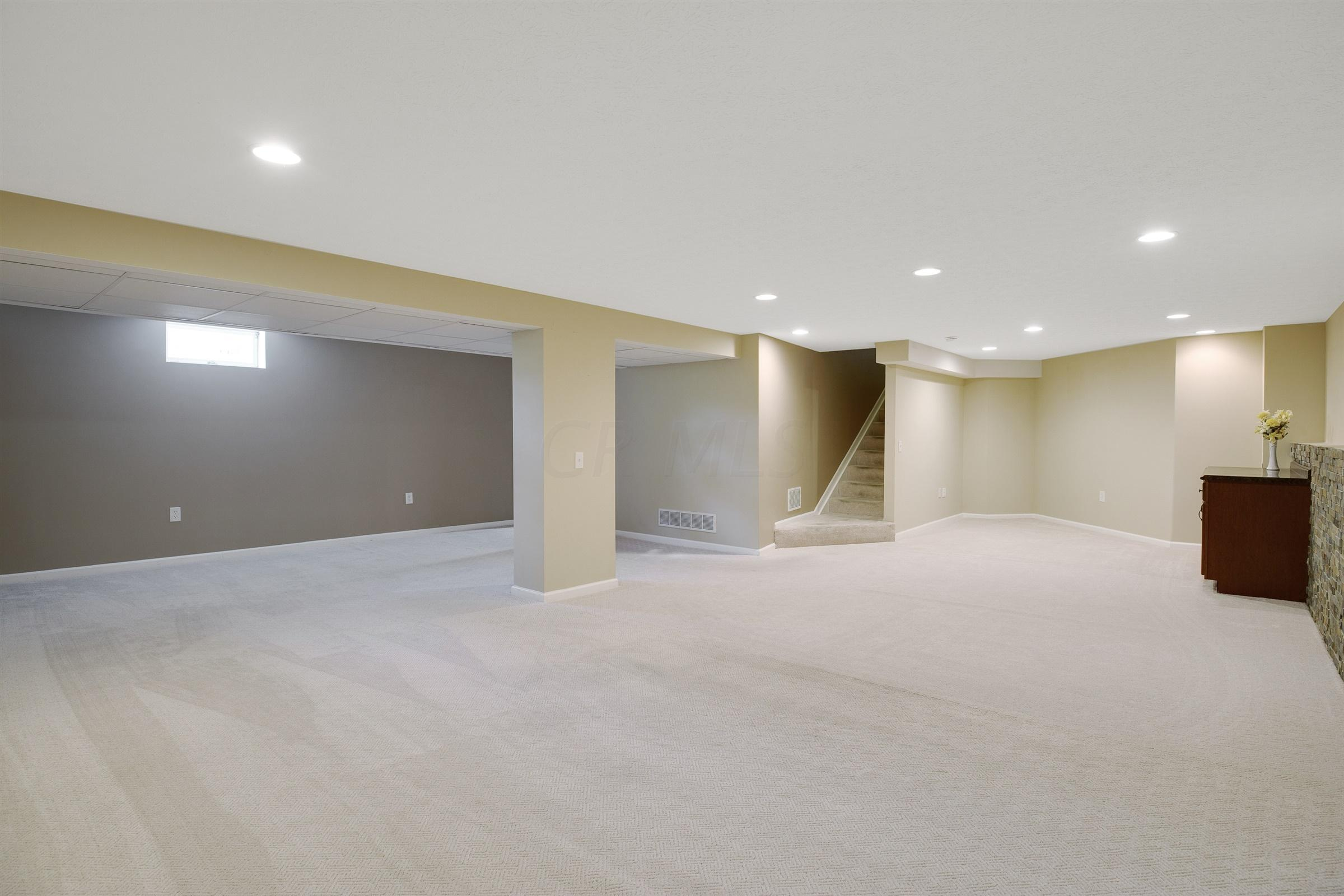 8315 Coldharbor Boulevard, Lewis Center, Ohio 43035, 3 Bedrooms Bedrooms, ,3 BathroomsBathrooms,Residential,For Sale,Coldharbor,220020999