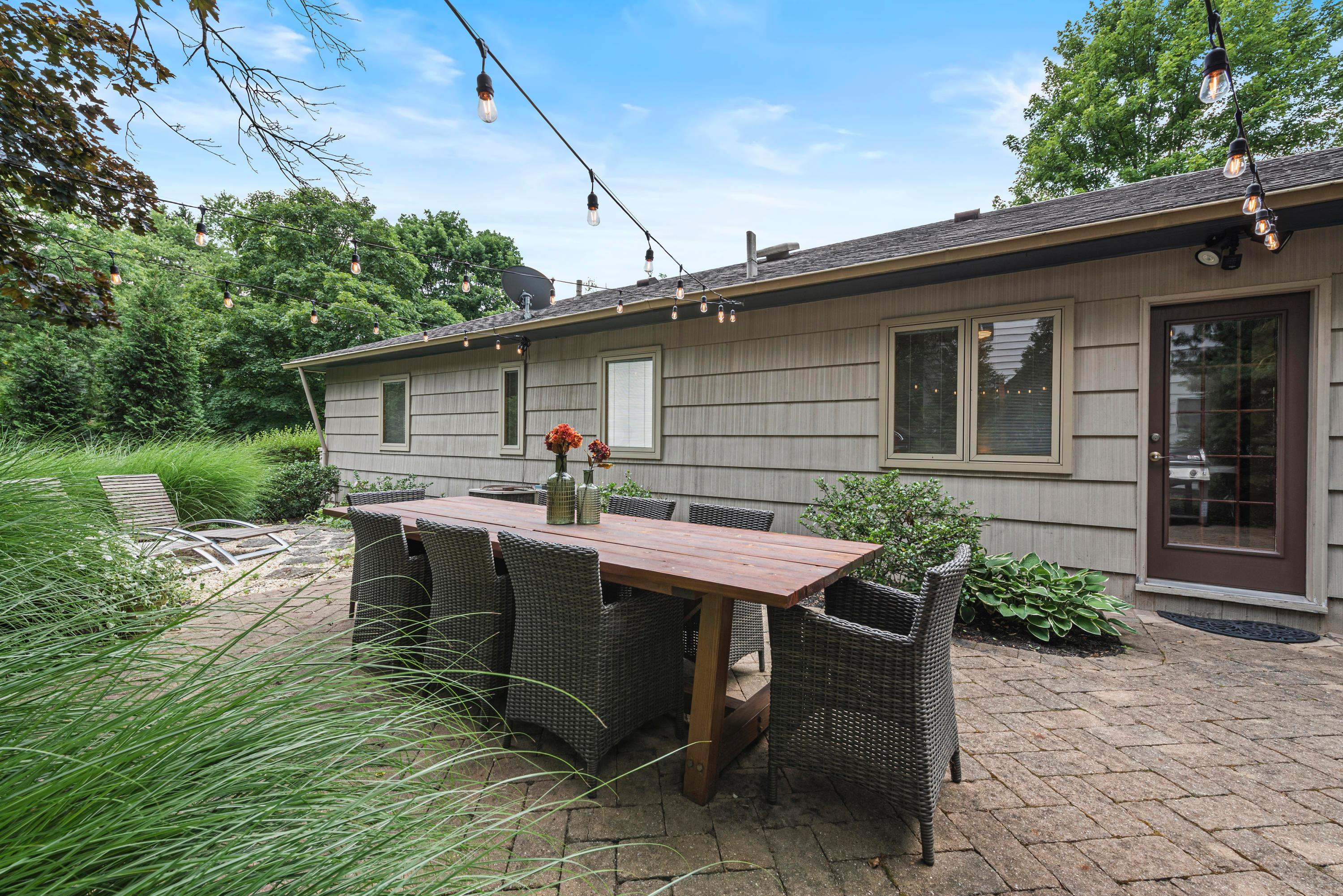 5810 Dover Court, Columbus, Ohio 43085, 3 Bedrooms Bedrooms, ,2 BathroomsBathrooms,Residential,For Sale,Dover,220020794