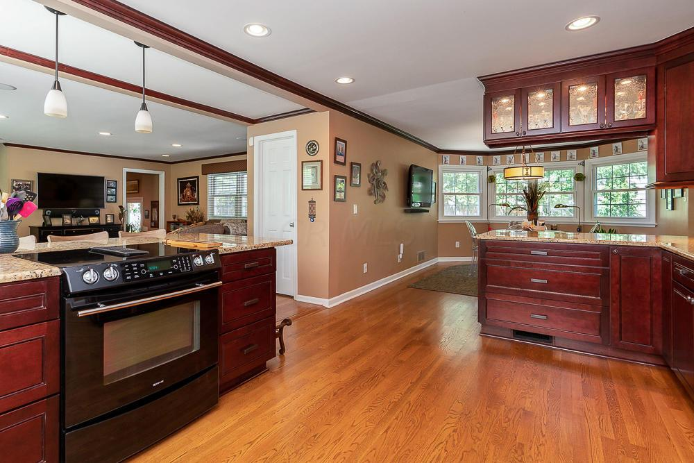 1687 Doone Road, Columbus, Ohio 43221, 4 Bedrooms Bedrooms, ,4 BathroomsBathrooms,Residential,For Sale,Doone,220020899