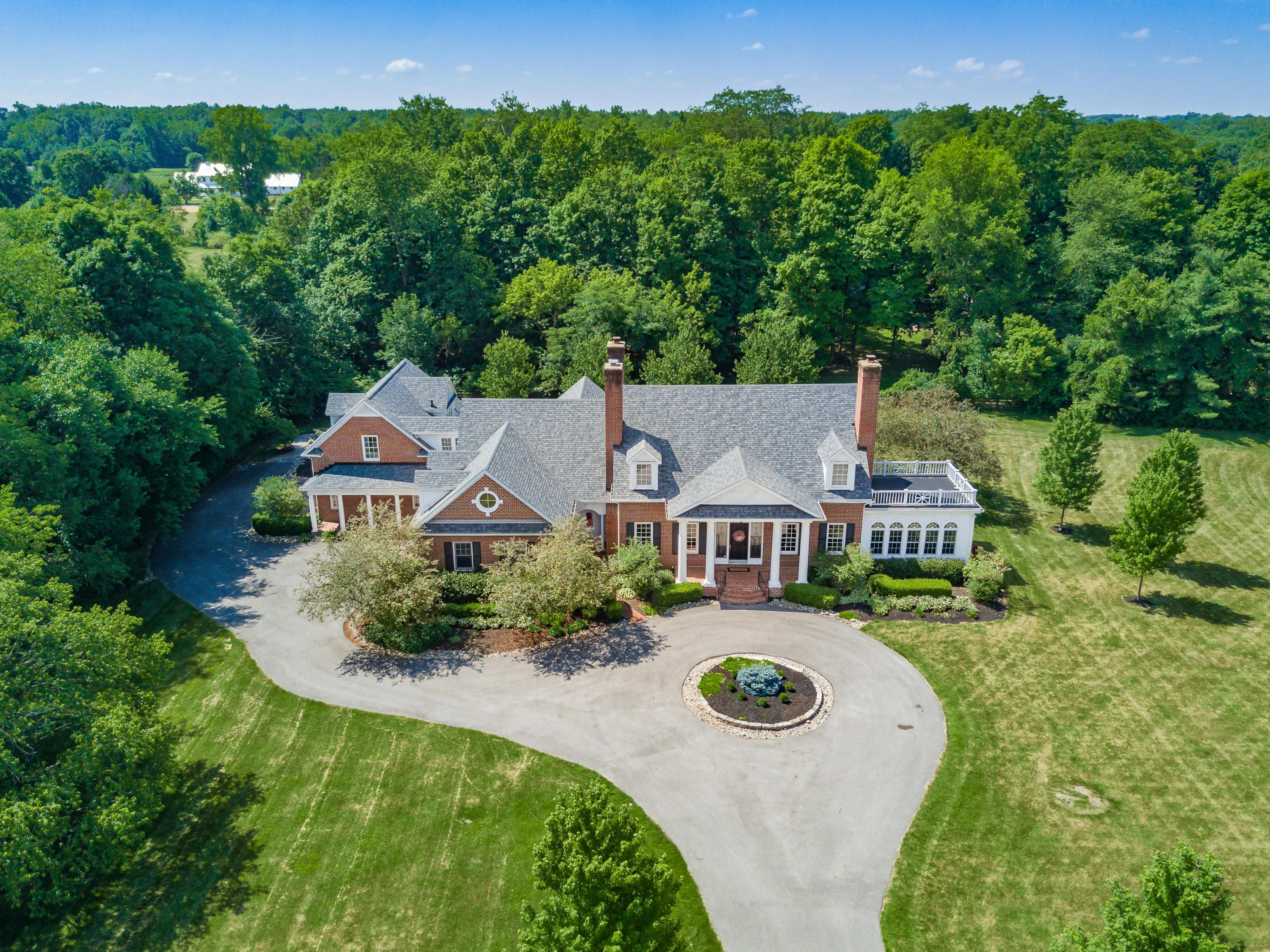 Photo of 2542 Colts Neck Road, Blacklick, OH 43004