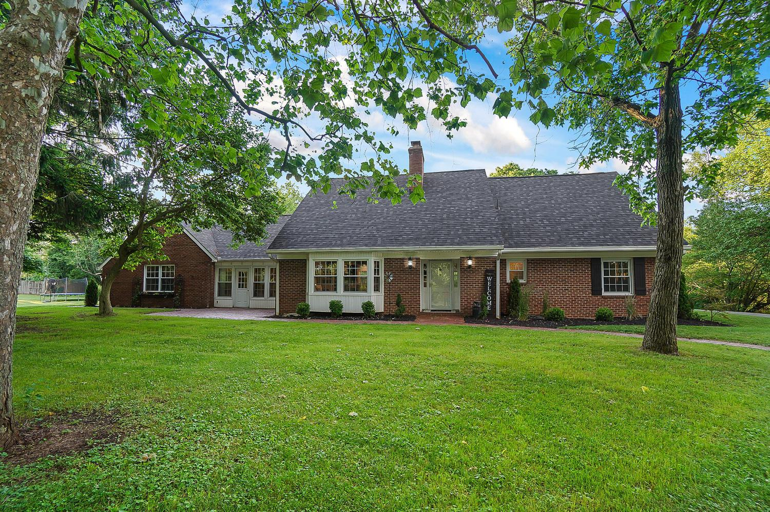 Photo of 1934 Zuber Road, Grove City, OH 43123