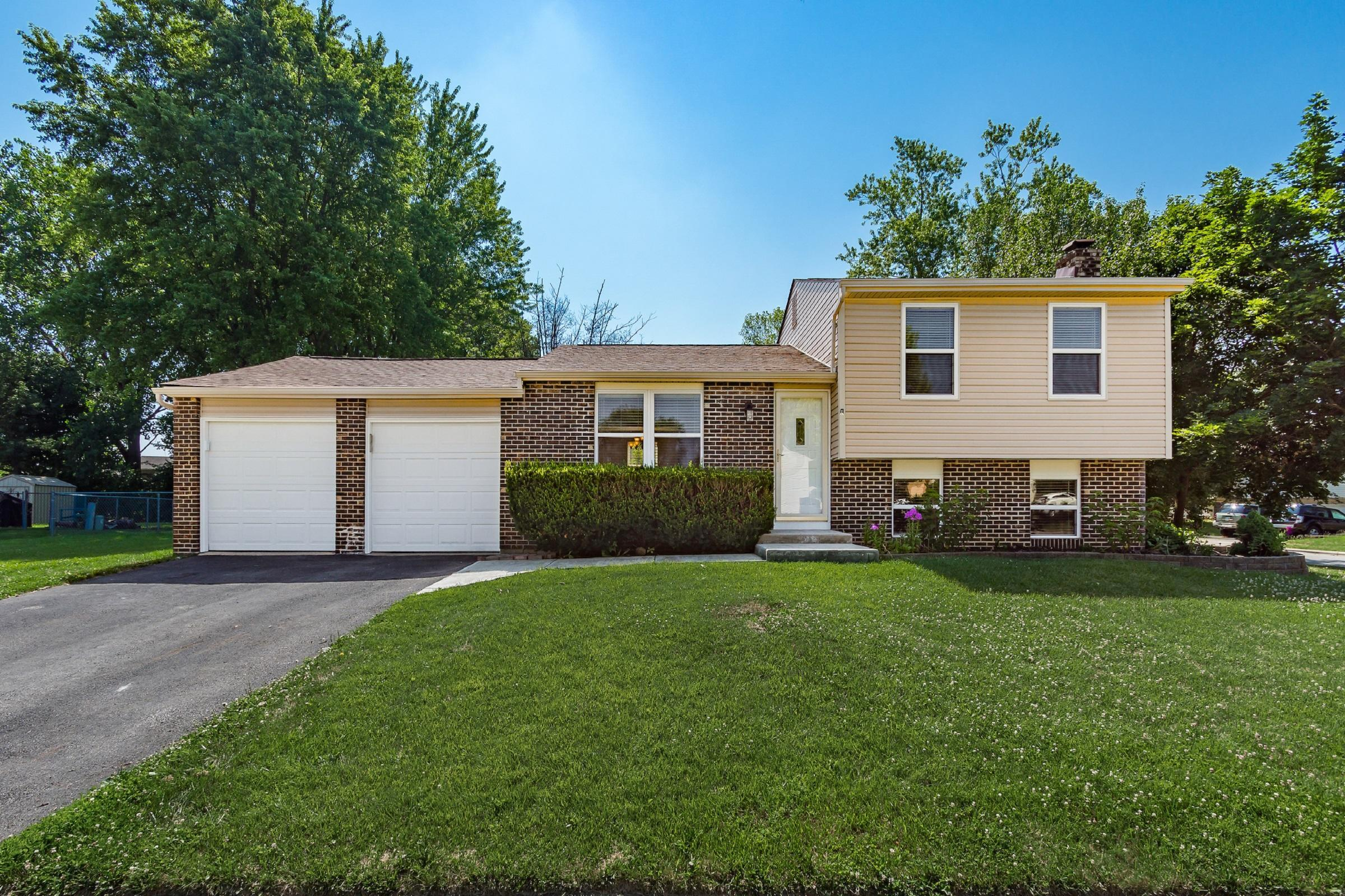 634 Dukewell Place, Galloway, Ohio 43119, 3 Bedrooms Bedrooms, ,2 BathroomsBathrooms,Residential,For Sale,Dukewell,220022323