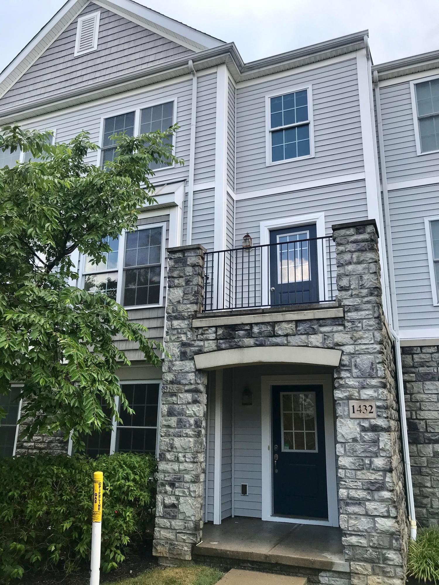 1432 Bloomington Boulevard, Columbus, Ohio 43228, 3 Bedrooms Bedrooms, ,3 BathroomsBathrooms,Residential,For Sale,Bloomington,220022642