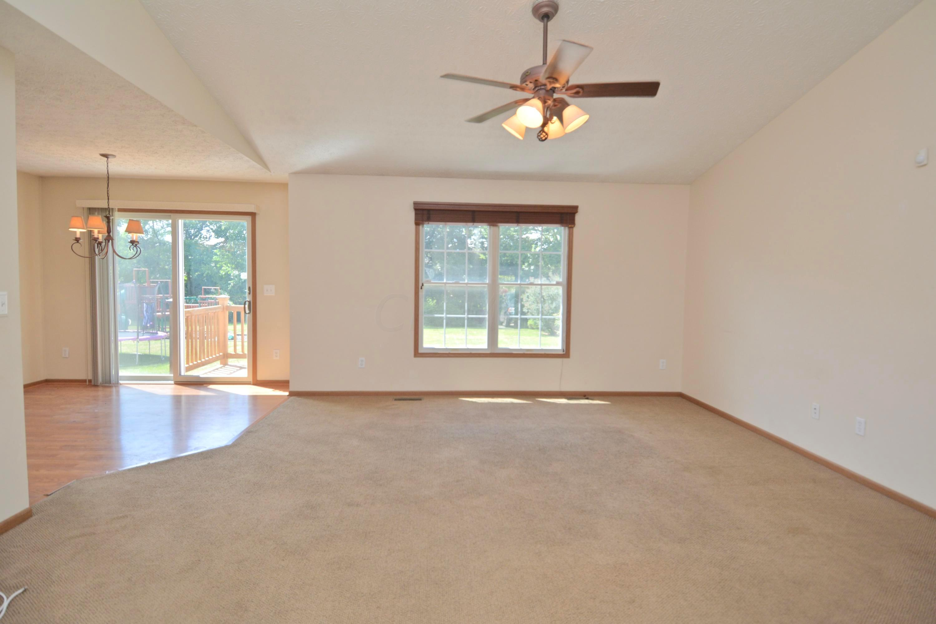 3577 Brook Spring Drive, Grove City, Ohio 43123, 3 Bedrooms Bedrooms, ,3 BathroomsBathrooms,Residential,For Sale,Brook Spring,220025670