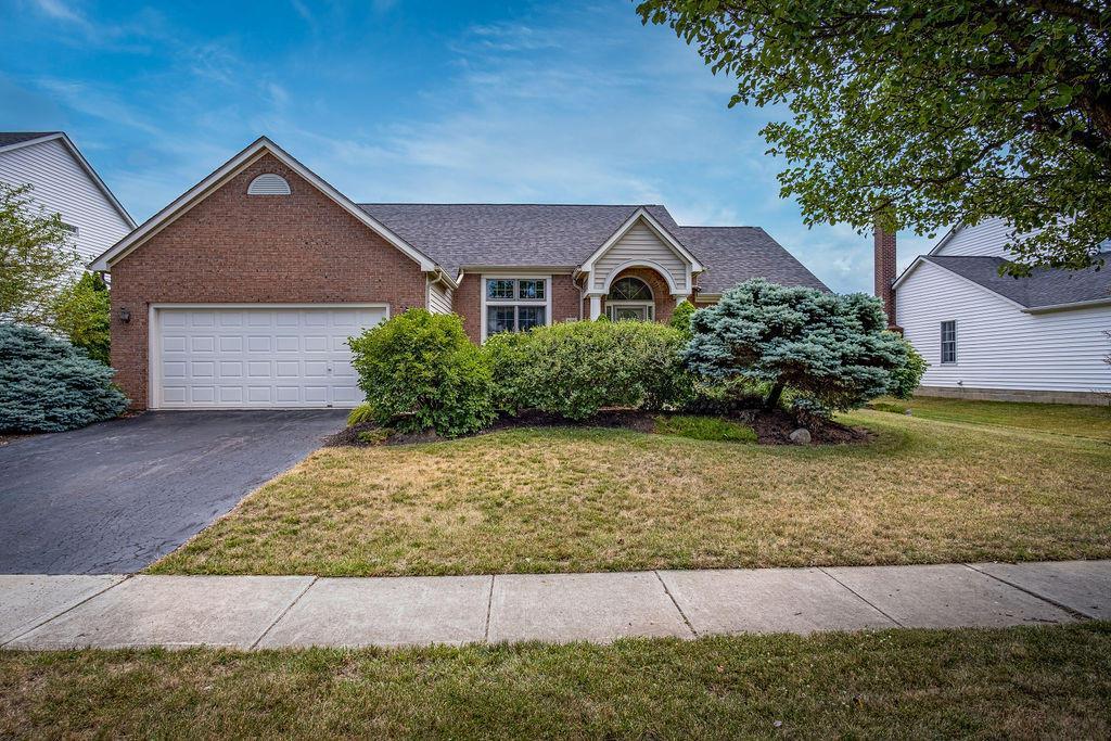 5769 Laura Lane, Hilliard, Ohio 43026, 2 Bedrooms Bedrooms, ,2 BathroomsBathrooms,Residential,For Sale,Laura,220022991