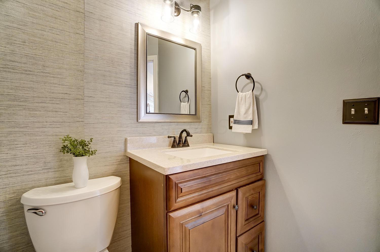 2226 Victoria Park Drive, Columbus, Ohio 43235, 2 Bedrooms Bedrooms, ,4 BathroomsBathrooms,Residential,For Sale,Victoria Park,220023067