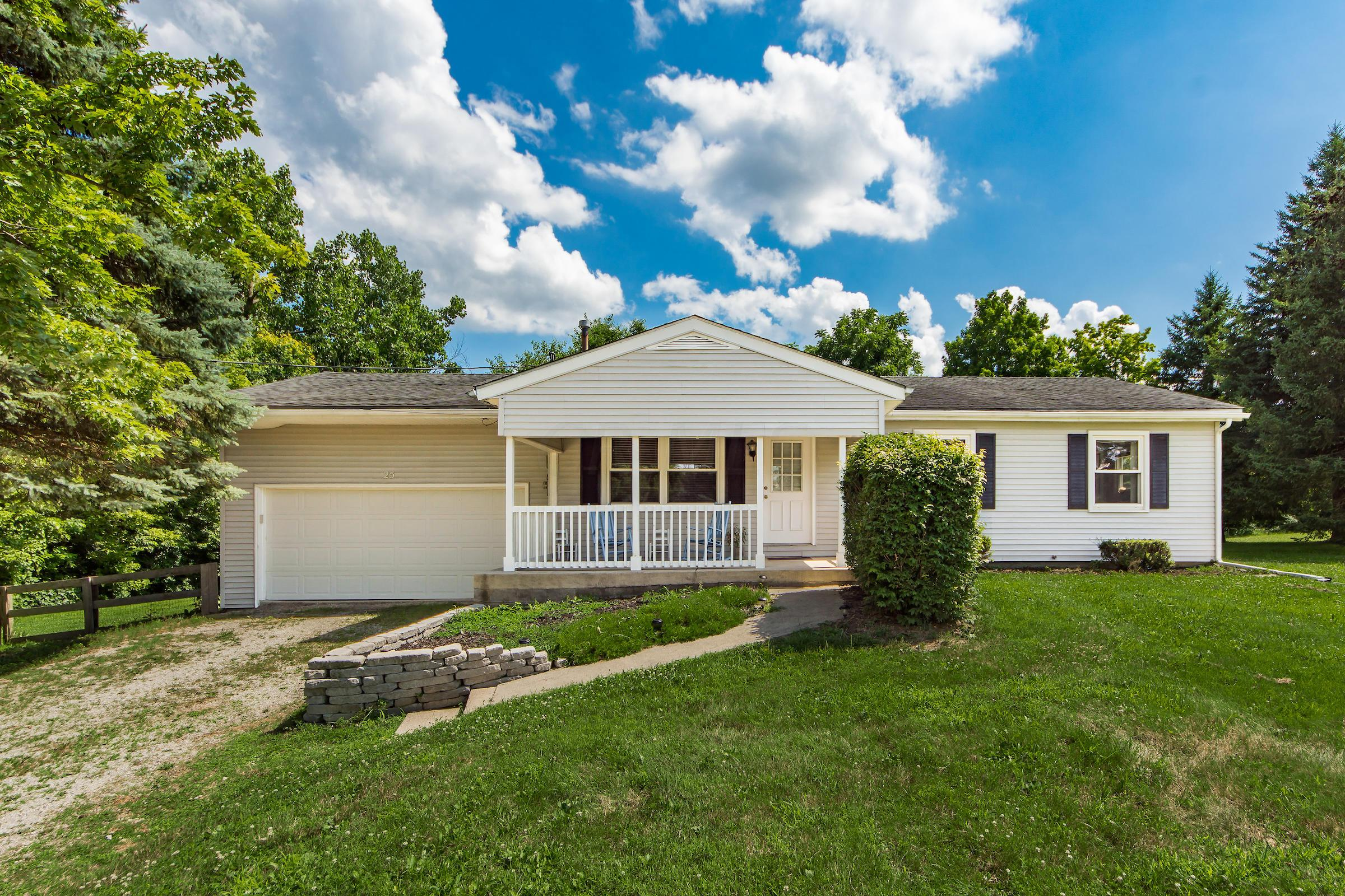 25 Cuyuga Drive, Powell, Ohio 43065, 3 Bedrooms Bedrooms, ,2 BathroomsBathrooms,Residential,For Sale,Cuyuga,220022865