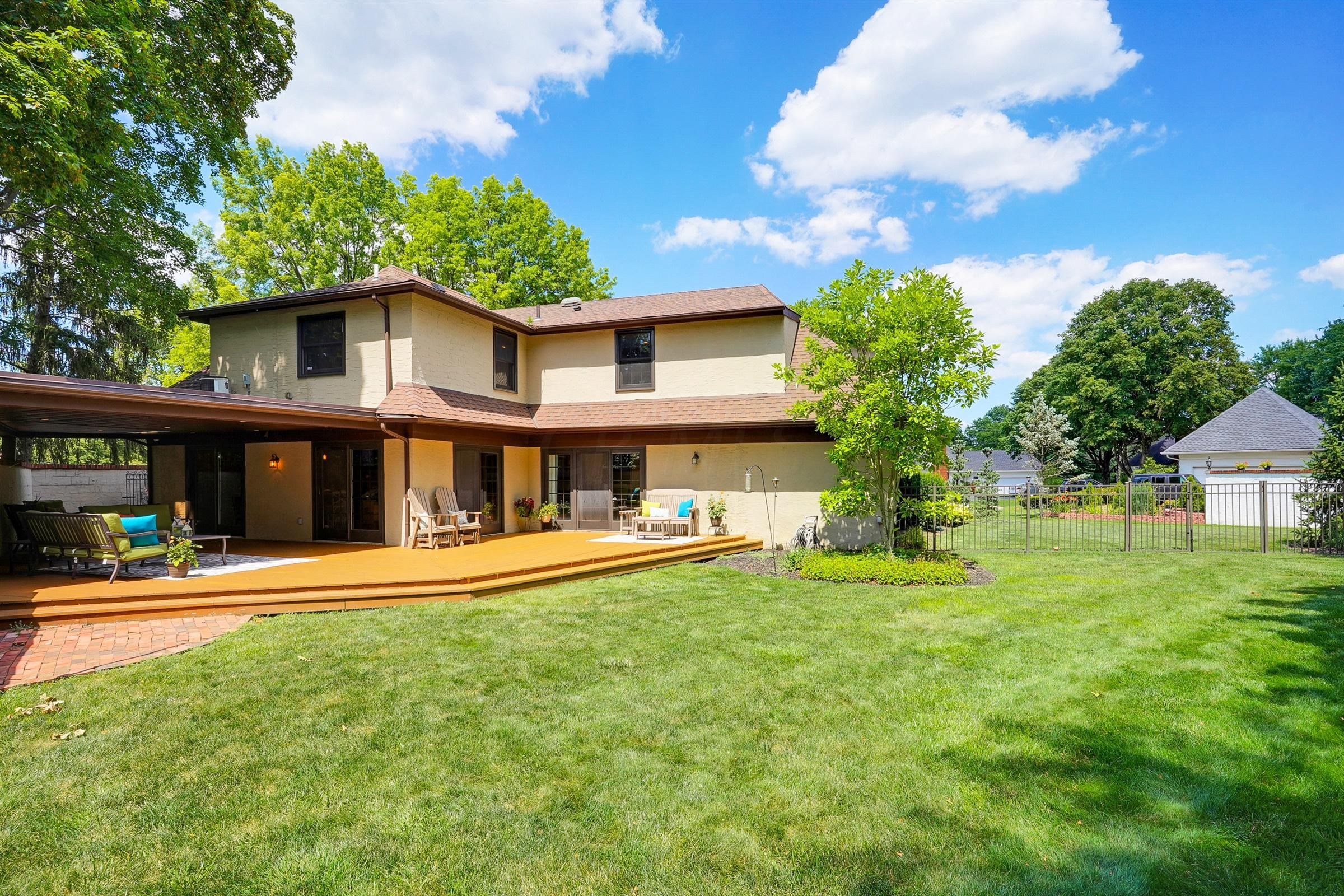 3593 Hythe Court, Upper Arlington, Ohio 43220, 4 Bedrooms Bedrooms, ,4 BathroomsBathrooms,Residential,For Sale,Hythe,220024823