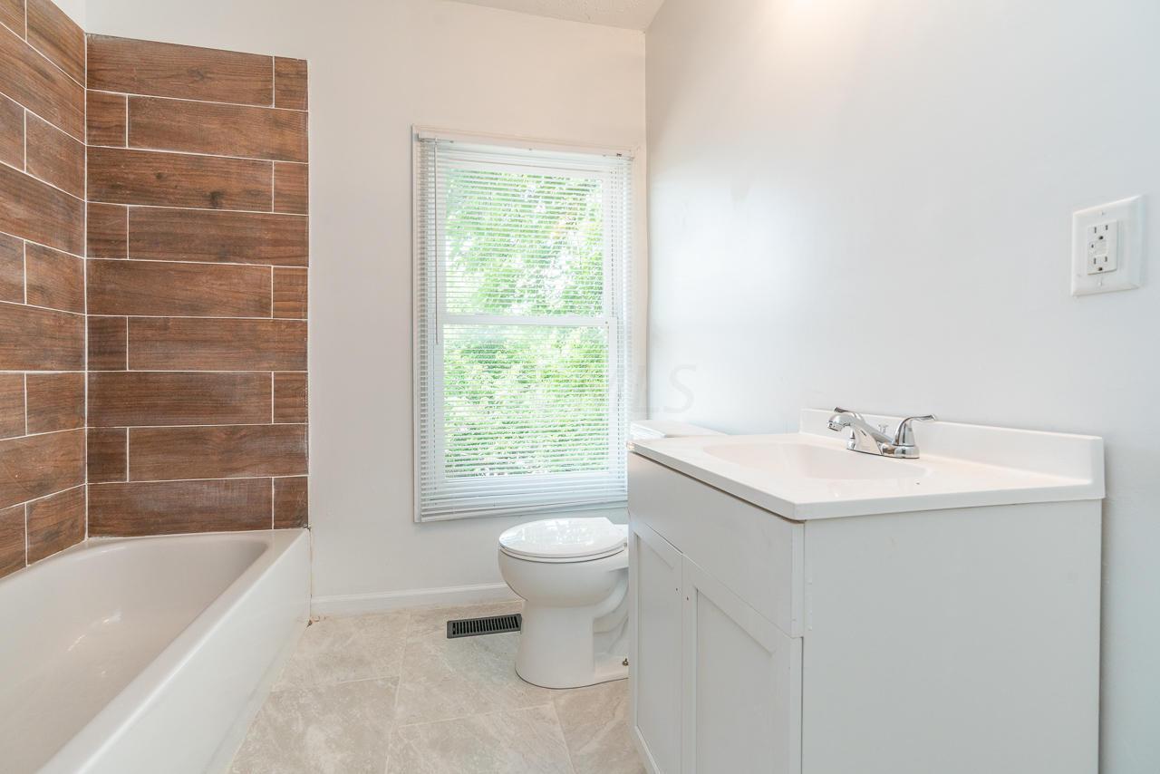 224 Harris Avenue, Columbus, Ohio 43204, 3 Bedrooms Bedrooms, ,2 BathroomsBathrooms,Residential,For Sale,Harris,219015990