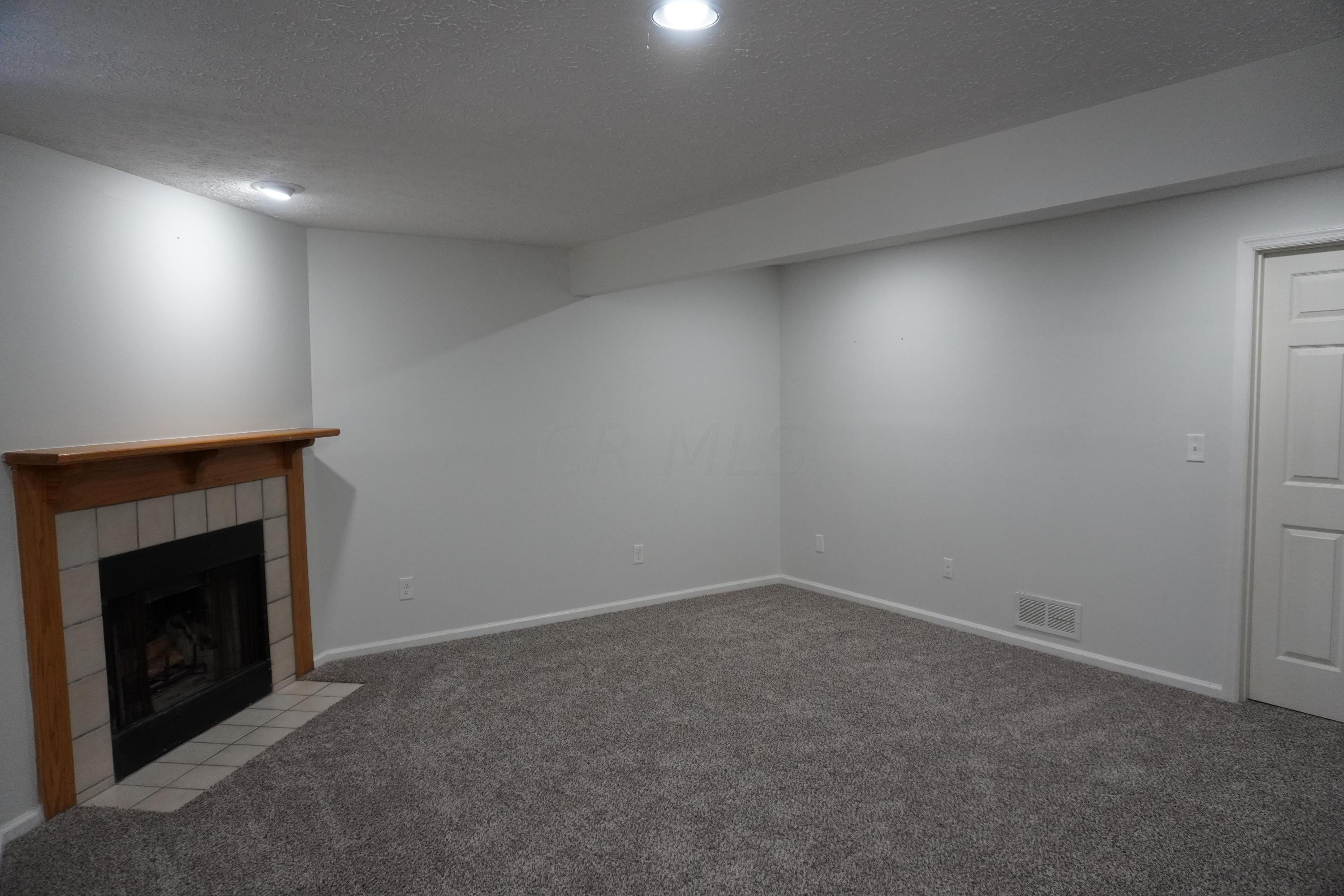 6328 Hyland Drive, Dublin, Ohio 43017, 2 Bedrooms Bedrooms, ,2 BathroomsBathrooms,Residential,For Sale,Hyland,220023722