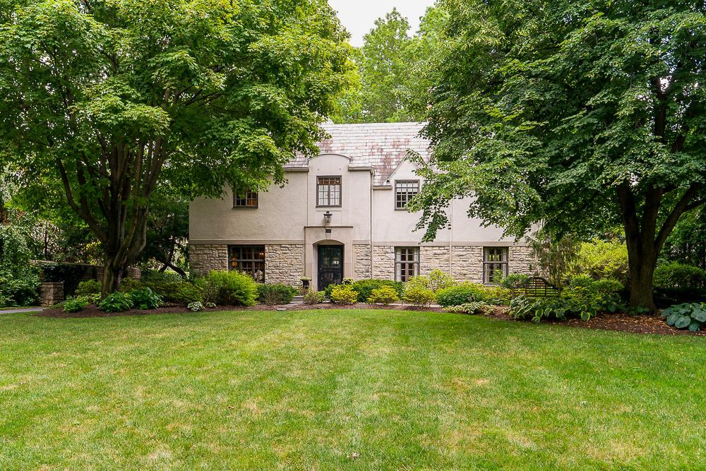 Photo of 102 Ashbourne Road, Bexley, OH 43209