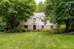 102 Ashbourne Road, Bexley, OH 43209