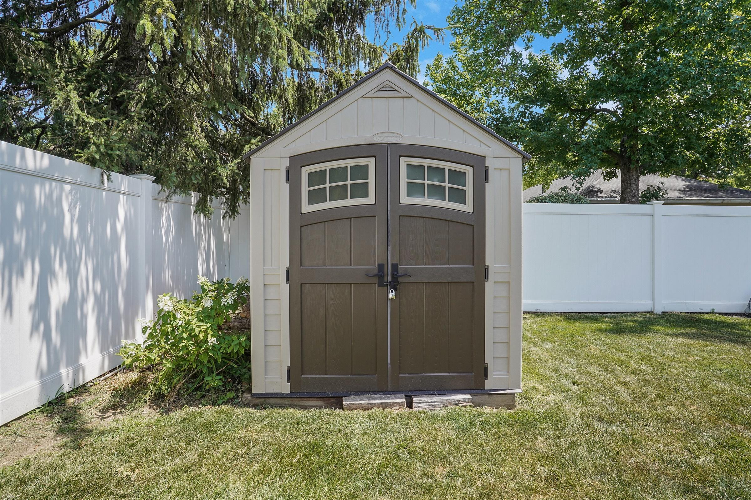 1330 Camelot Drive, Columbus, Ohio 43220, 3 Bedrooms Bedrooms, ,2 BathroomsBathrooms,Residential,For Sale,Camelot,220024475
