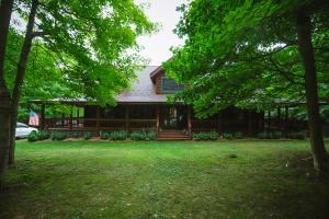 6214 Coonpath Road NW, Carroll, OH 43112