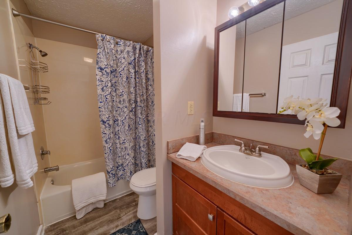 331 Saint Andrews Drive, Dublin, Ohio 43017, 2 Bedrooms Bedrooms, ,2 BathroomsBathrooms,Residential,For Sale,Saint Andrews,220024555