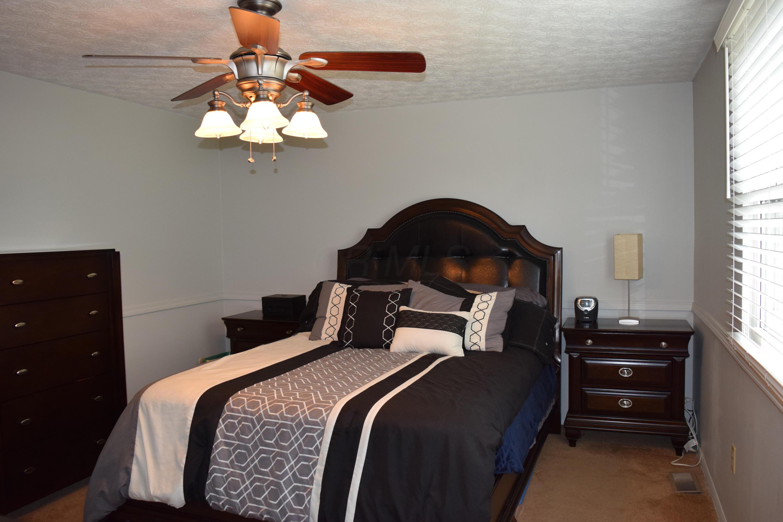 6612 Brock Street, Dublin, Ohio 43017, 3 Bedrooms Bedrooms, ,2 BathroomsBathrooms,Residential,For Sale,Brock,220024533