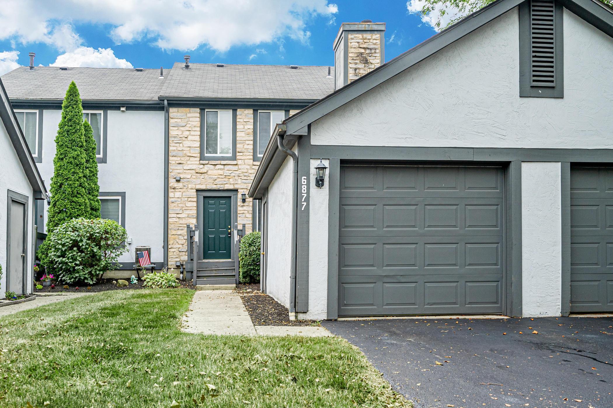 6877 Muirfield Drive, Dublin, Ohio 43017, 2 Bedrooms Bedrooms, ,3 BathroomsBathrooms,Residential,For Sale,Muirfield,220024617
