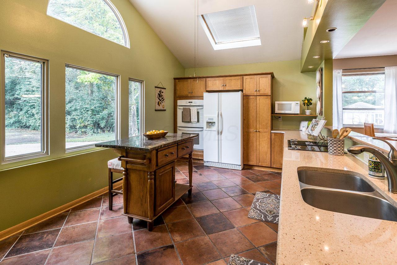 2545 Fishinger Road, Columbus, Ohio 43221, 3 Bedrooms Bedrooms, ,3 BathroomsBathrooms,Residential,For Sale,Fishinger,220024709