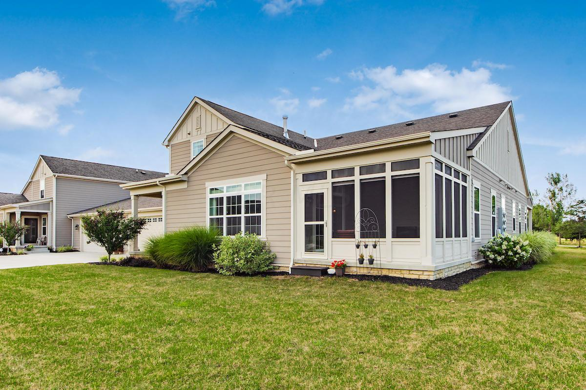 1056 Little Bear Place, Lewis Center, Ohio 43035, 3 Bedrooms Bedrooms, ,3 BathroomsBathrooms,Residential,For Sale,Little Bear,220024916