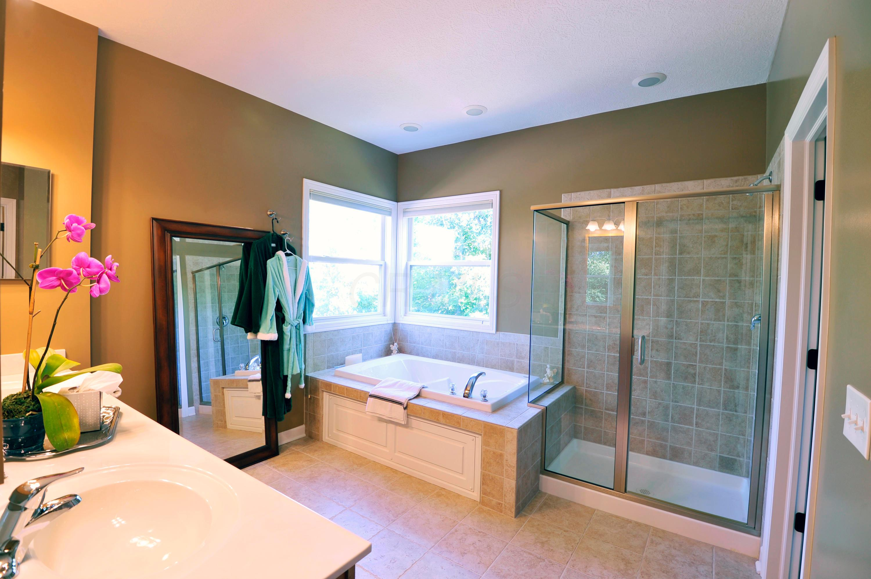 6784 Royal Plume Drive, Dublin, Ohio 43016, 4 Bedrooms Bedrooms, ,5 BathroomsBathrooms,Residential,For Sale,Royal Plume,220023120