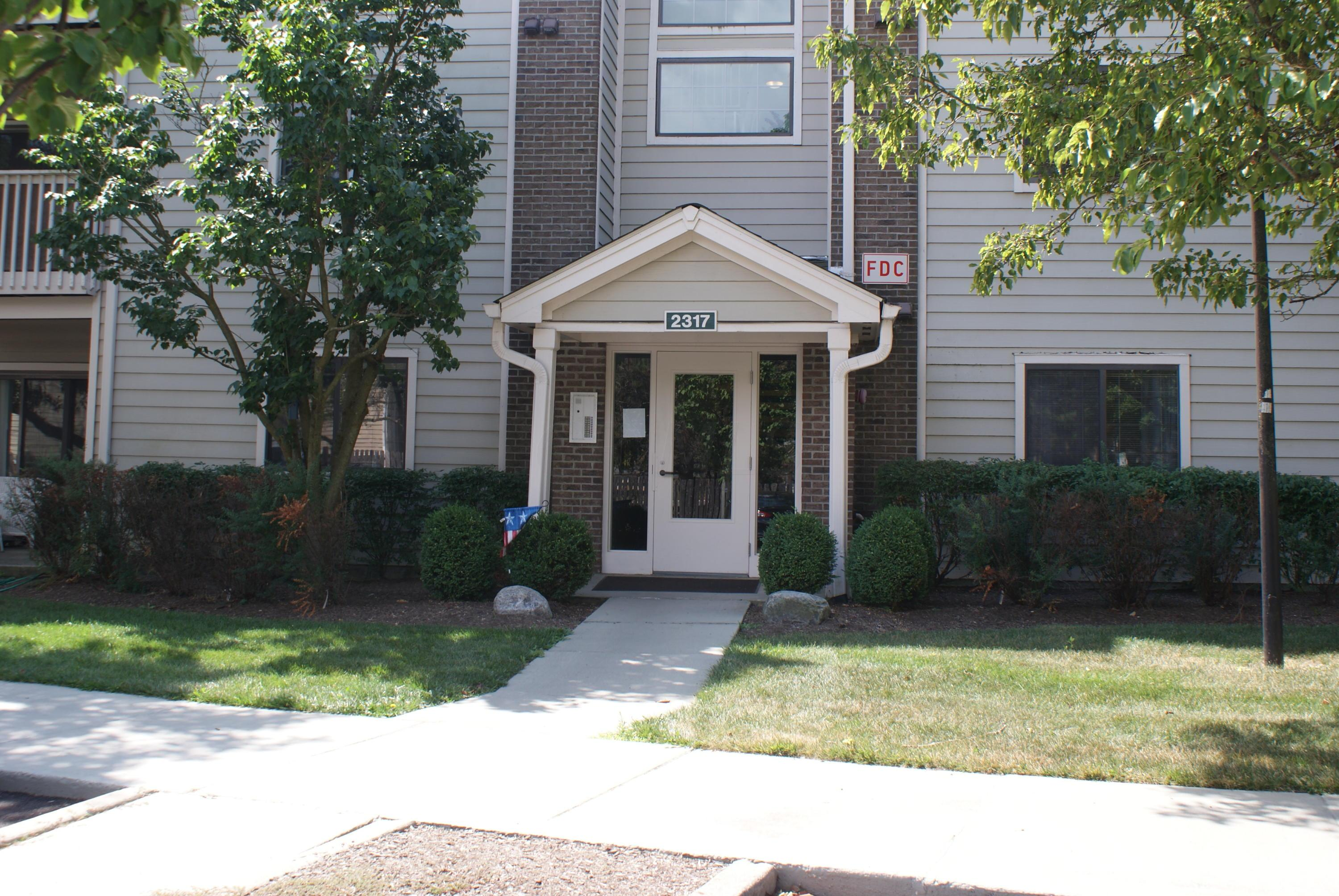 2317 Vicente Court, Columbus, Ohio 43235, 2 Bedrooms Bedrooms, ,2 BathroomsBathrooms,Residential,For Sale,Vicente,220024897