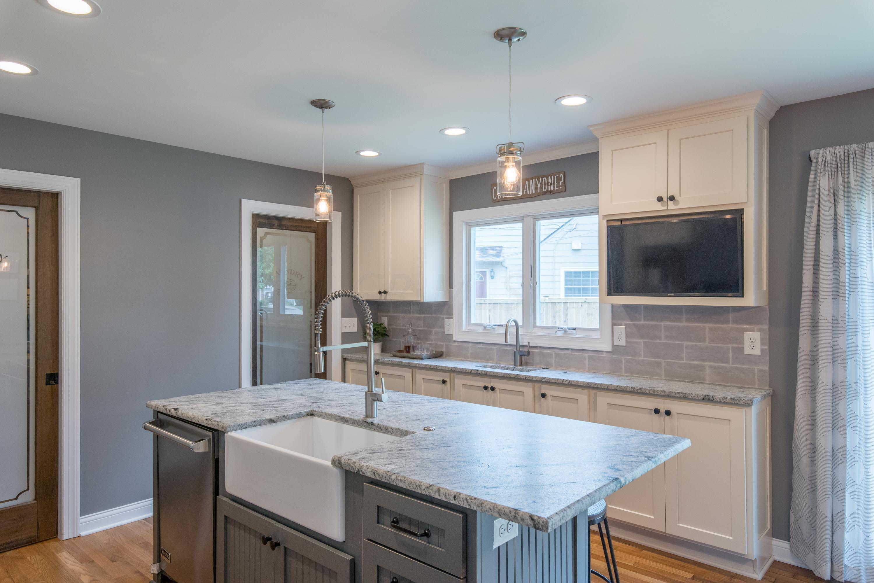 3055 Tremont Road, Upper Arlington, Ohio 43221, 5 Bedrooms Bedrooms, ,2 BathroomsBathrooms,Residential,For Sale,Tremont,220024974