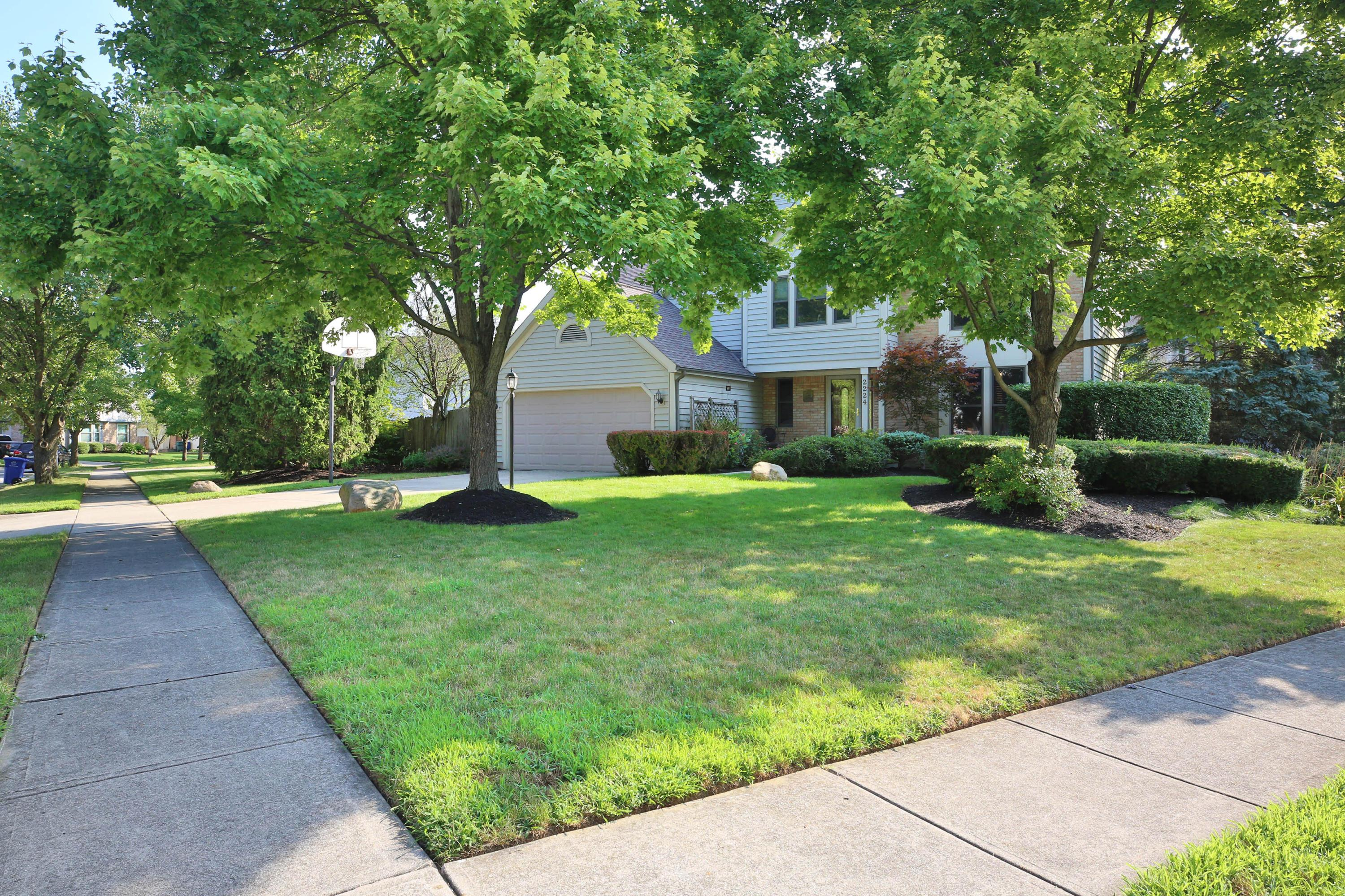 2224 Cloverdale Court, Columbus, Ohio 43235, 4 Bedrooms Bedrooms, ,3 BathroomsBathrooms,Residential,For Sale,Cloverdale,220025535