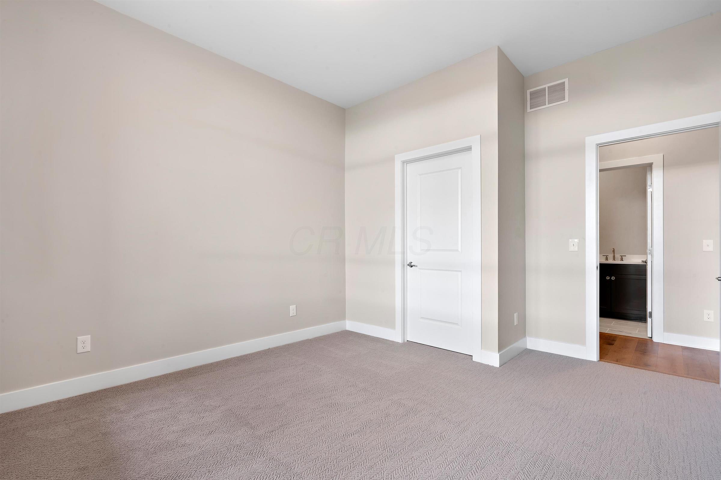 6745 Longshore Street, Dublin, Ohio 43017, 3 Bedrooms Bedrooms, ,3 BathroomsBathrooms,Residential,For Sale,Longshore,220024428
