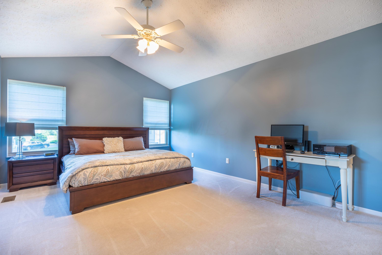 2833 Minuteman Court, Powell, Ohio 43065, 4 Bedrooms Bedrooms, ,3 BathroomsBathrooms,Residential,For Sale,Minuteman,220025273