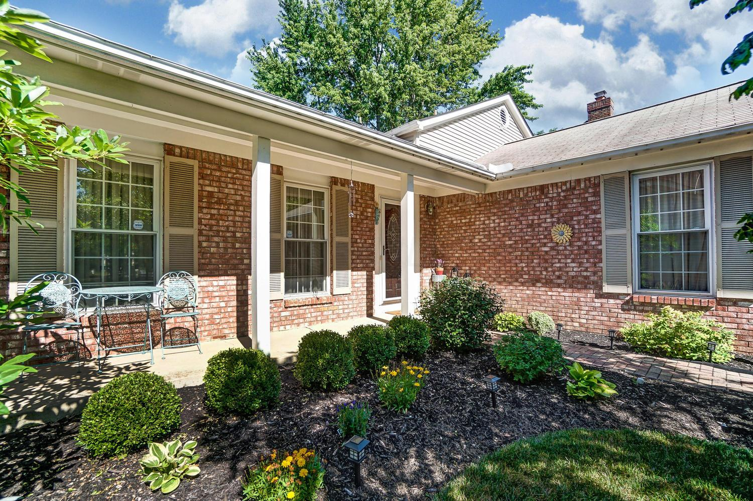 7881 Saddle Run, Powell, Ohio 43065, 3 Bedrooms Bedrooms, ,2 BathroomsBathrooms,Residential,For Sale,Saddle Run,220025290