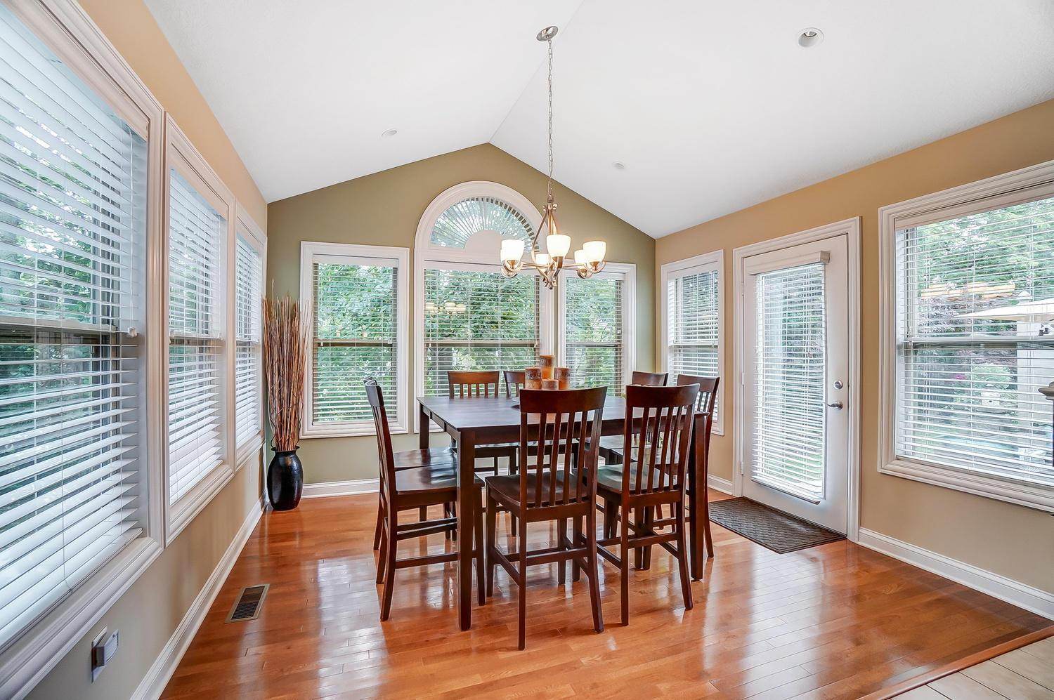 4811 Rays Circle, Dublin, Ohio 43016, 2 Bedrooms Bedrooms, ,3 BathroomsBathrooms,Residential,For Sale,Rays,220025347