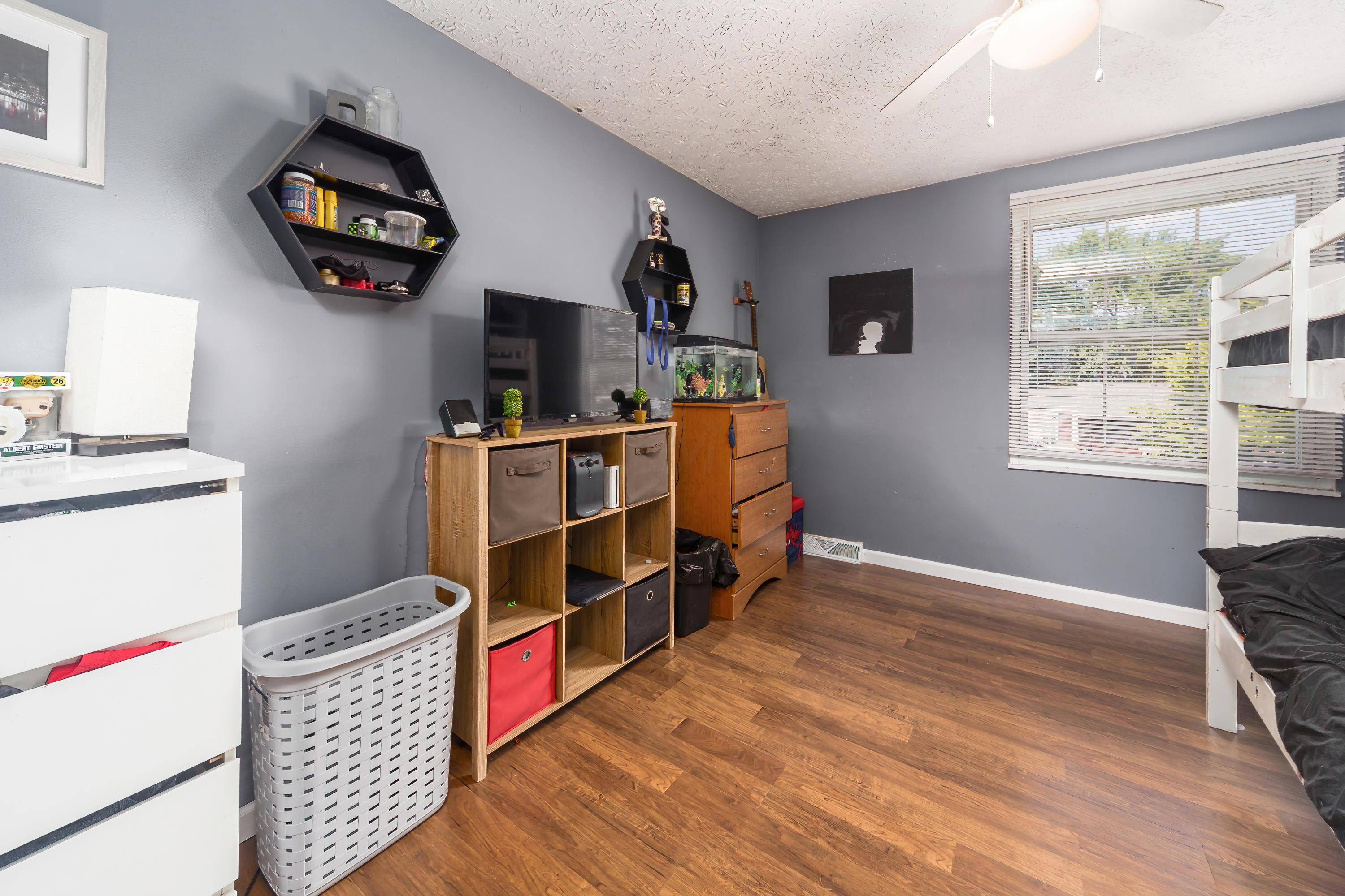 649 Dukewell Place, Galloway, Ohio 43119, 4 Bedrooms Bedrooms, ,2 BathroomsBathrooms,Residential,For Sale,Dukewell,220025502