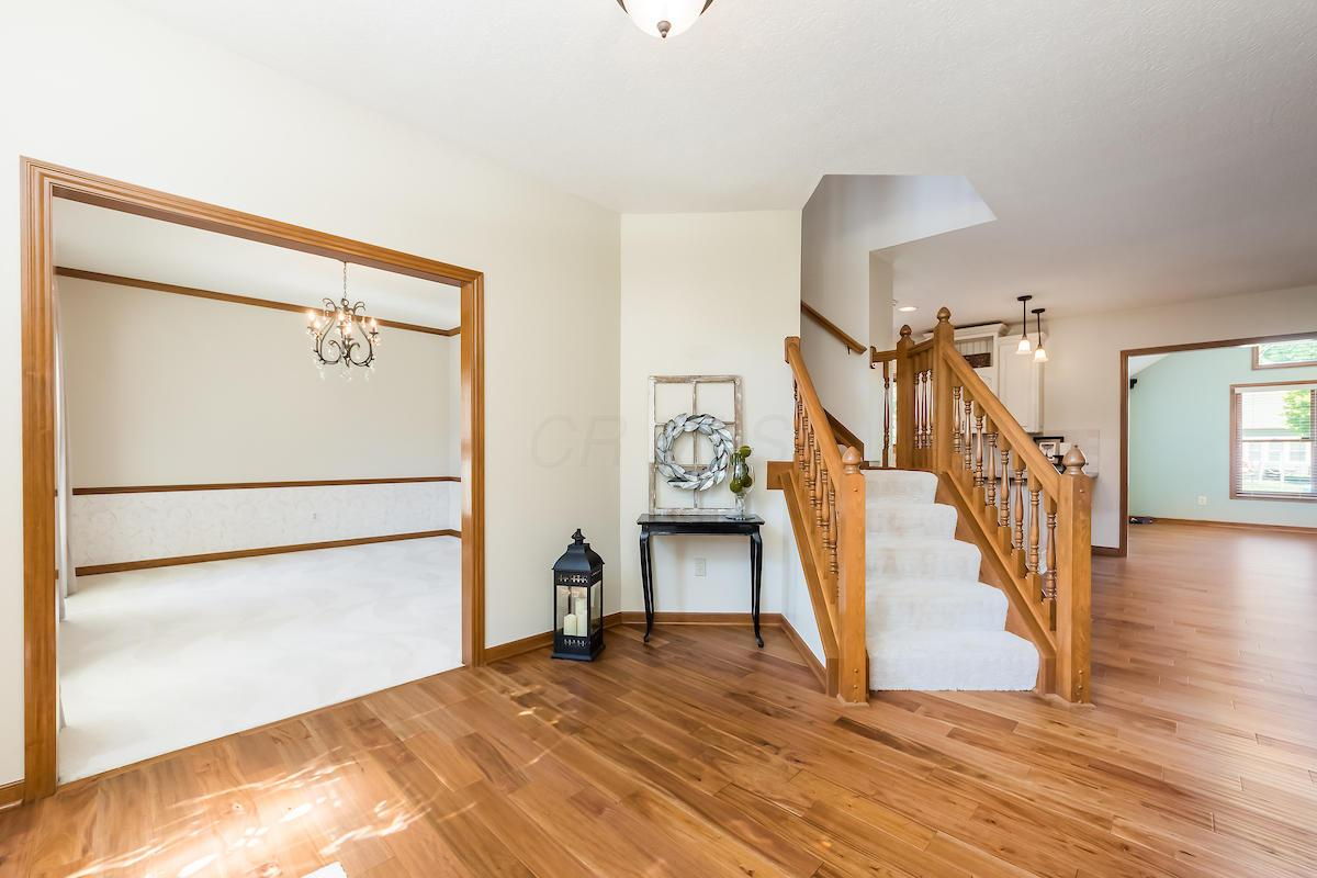 6330 Angeles Drive, Dublin, Ohio 43016, 4 Bedrooms Bedrooms, ,3 BathroomsBathrooms,Residential,For Sale,Angeles,220025263
