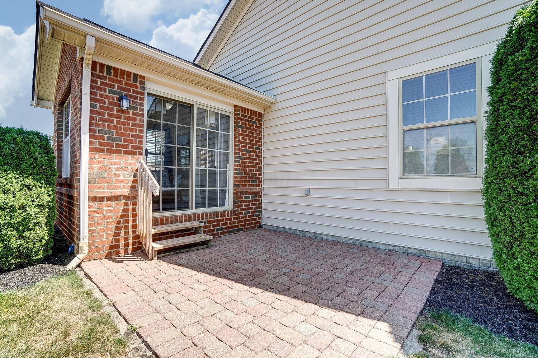 9261 Centauri Avenue, Columbus, Ohio 43240, 2 Bedrooms Bedrooms, ,3 BathroomsBathrooms,Residential,For Sale,Centauri,220025557