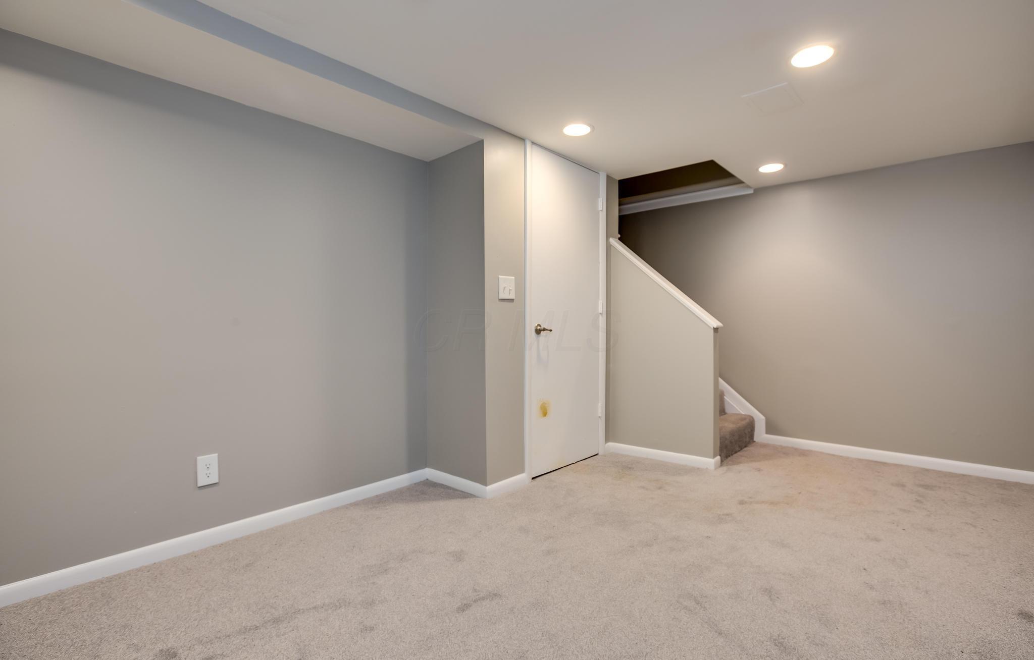 2605 Scioto View Lane, Columbus, Ohio 43221, 2 Bedrooms Bedrooms, ,2 BathroomsBathrooms,Residential,For Sale,Scioto View,220025433