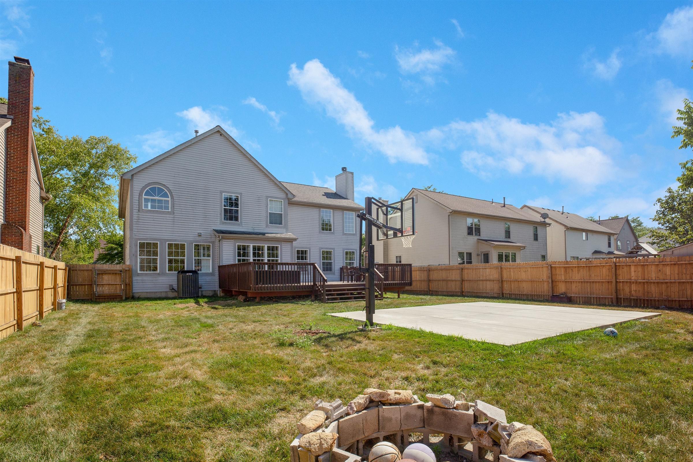 5636 Newington Drive, Hilliard, Ohio 43026, 4 Bedrooms Bedrooms, ,3 BathroomsBathrooms,Residential,For Sale,Newington,220025441